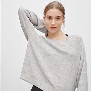 Community Tubero Sweater